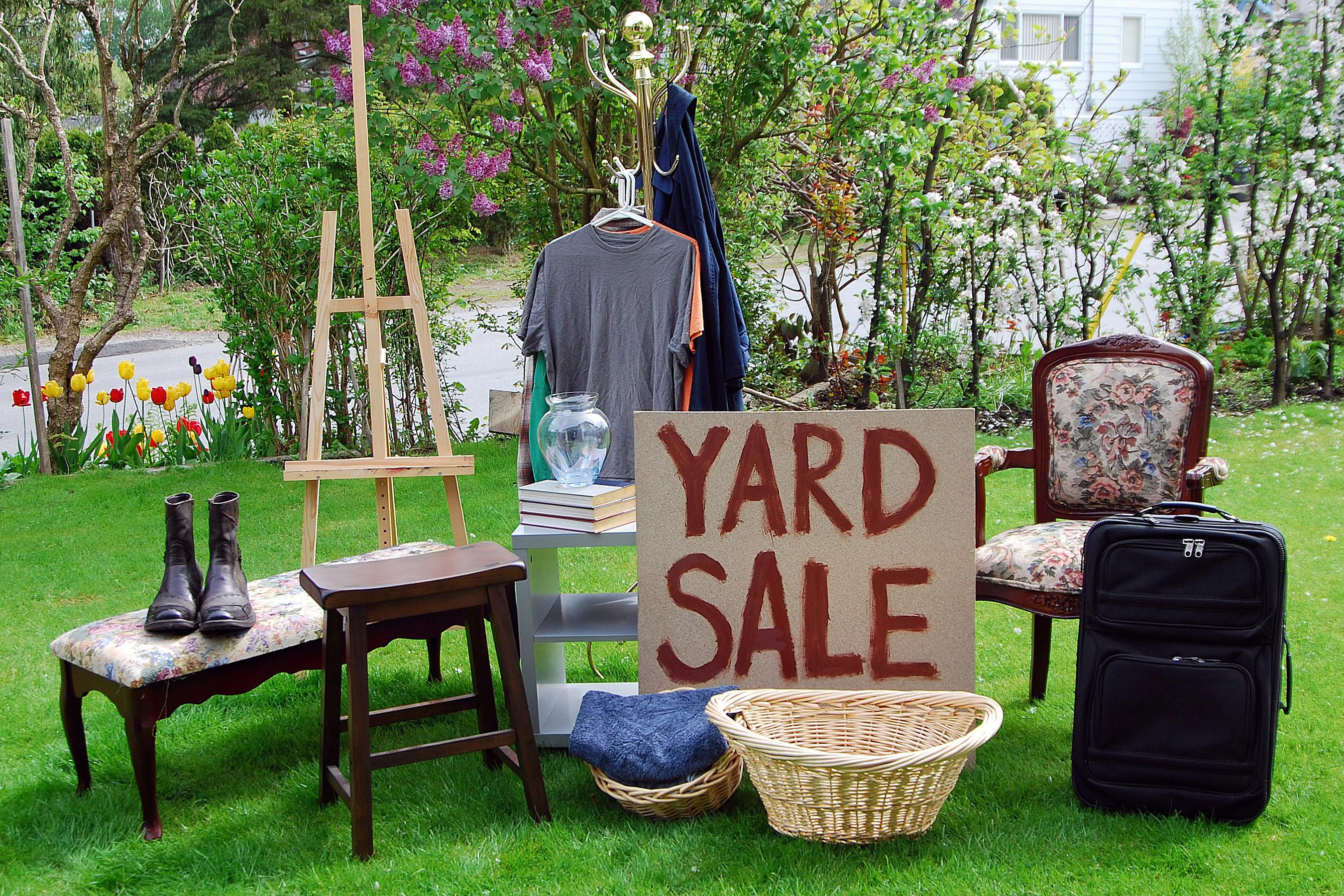 independence-day-backyard-sale