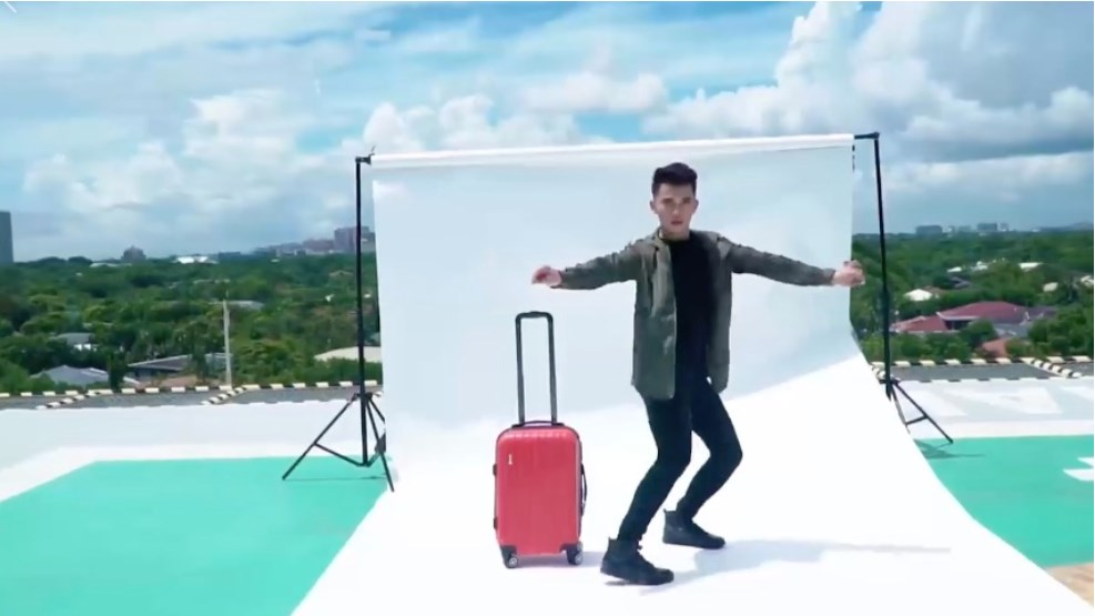 luggage-boy-ad