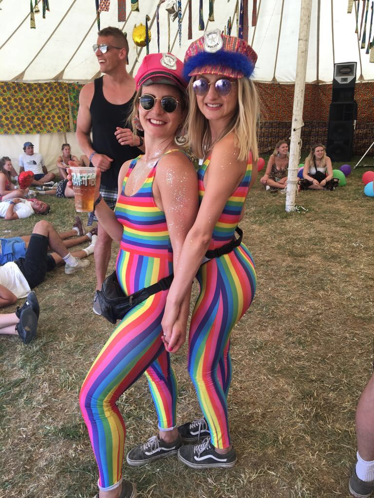 20-craziest-festival-outfits-that-students-rocked-in-summer-2018-10.png