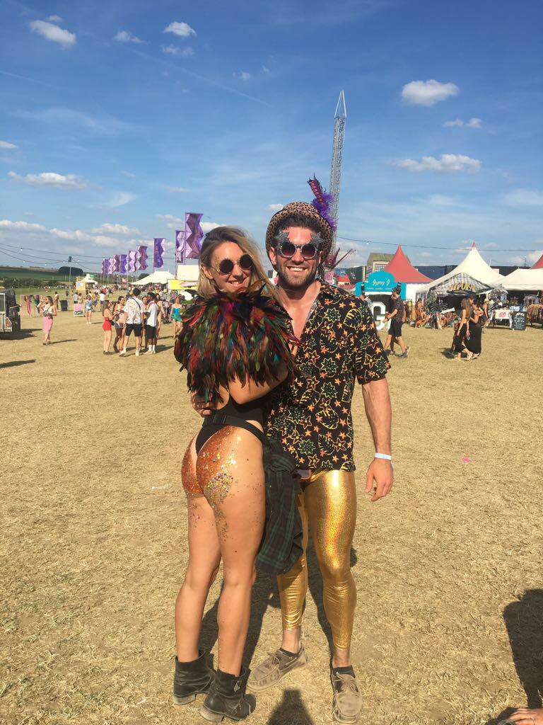 46220c56b3 20 CRAZIEST Festival Outfits That Students Rocked in Summer 2018
