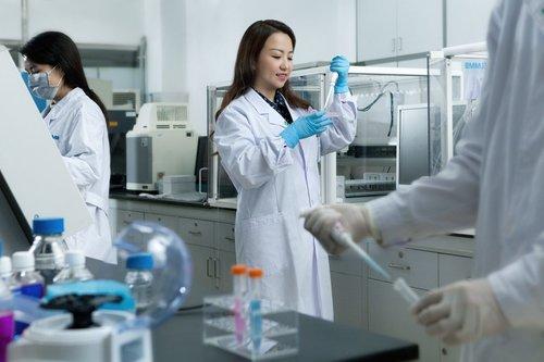 female-scientists-01