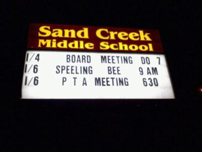 hilarious-spelling-mistakes-school-signs-15