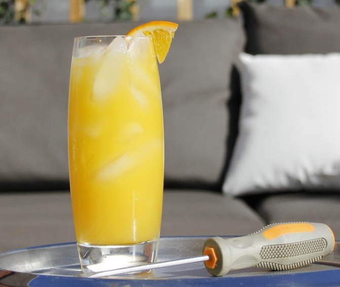 5-delicious-classic-cocktails-every-student-can-make-at-home-1