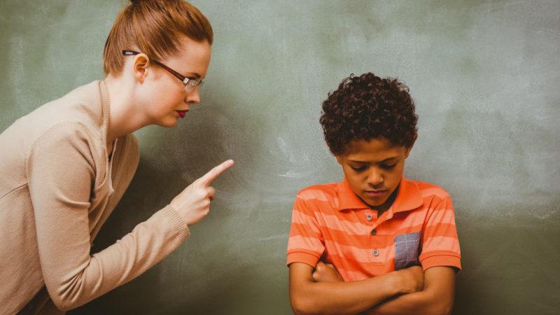 teacher-bullies-student-01