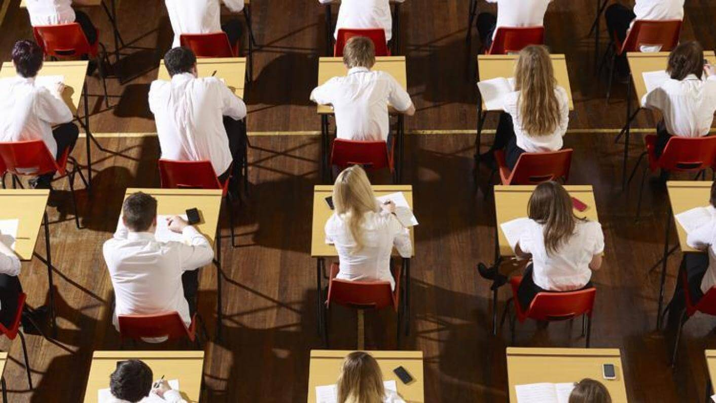 uk-students-demoralized-new-9-1-gcse-grades-02