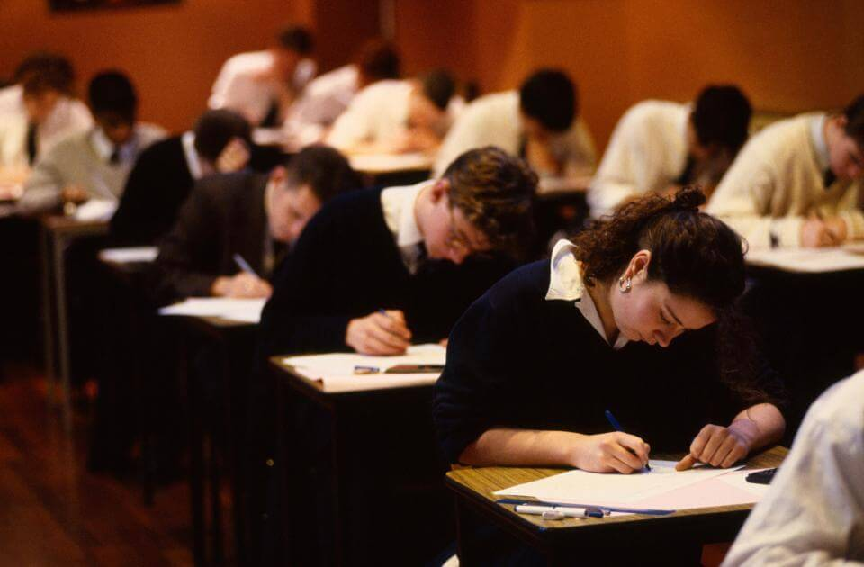 uk-students-demoralized-new-9-1-gcse-grades-03