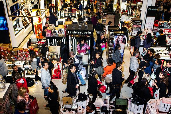 7-tips-to-survive-black-friday-1.jpg
