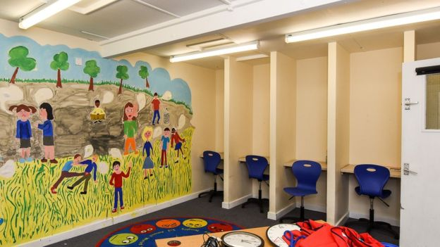 uk-schools-use-isolation-booths-01