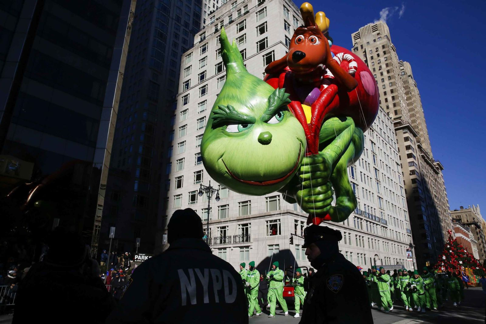 why-students-shouldnt-misa-thanksgiving-parade-2.jpg