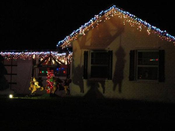 terrible-christmas-decorations-8.jpg