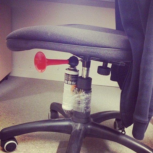 april-fools-day-pranks-08