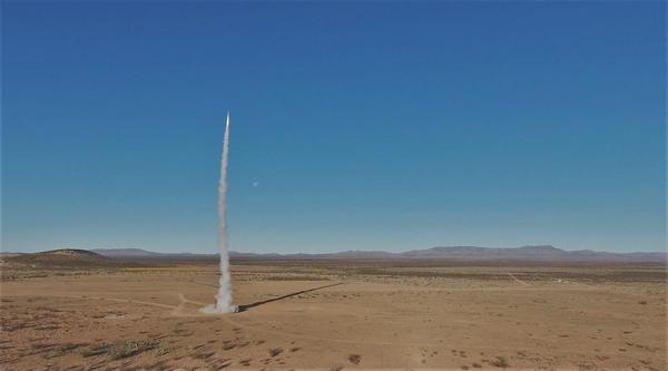 usc-undergraduates-launched-rocket-into-space-04