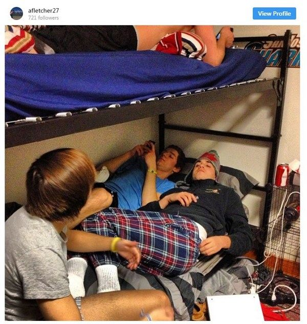 dorm-room-struggles-10